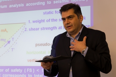 "Dr. Prodromos Psarropoulos at Seminar ""Geohazards and Geotechnics in Pipeline Engineering"" at ptc 2014 in Berlin"